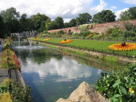 Canal_Gardens_Aug_2007
